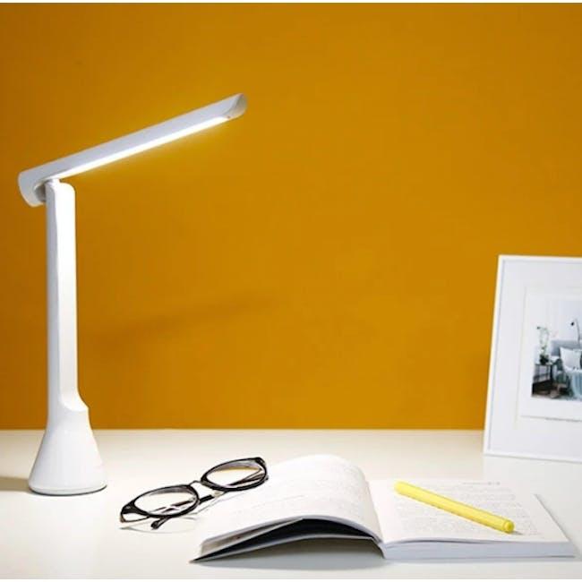 Yeelight Foldable Table Lamp - White - 1