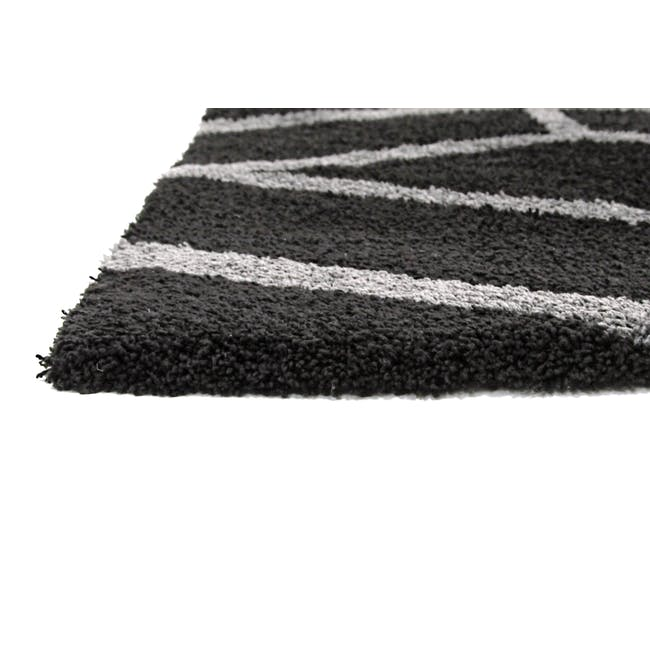Play Low Pile Rug 2.9m x 2m - Trellis Black - 1