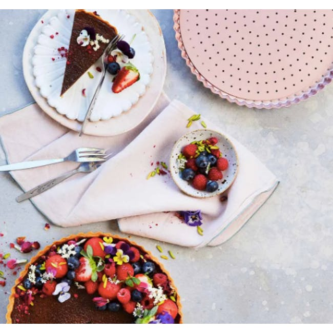 Wiltshire Rose Gold Perforated Round Quiche & Tart Pan - 1