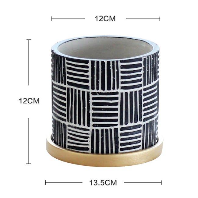 Nanno Pot with Gold Saucer - Lines - Medium - 2