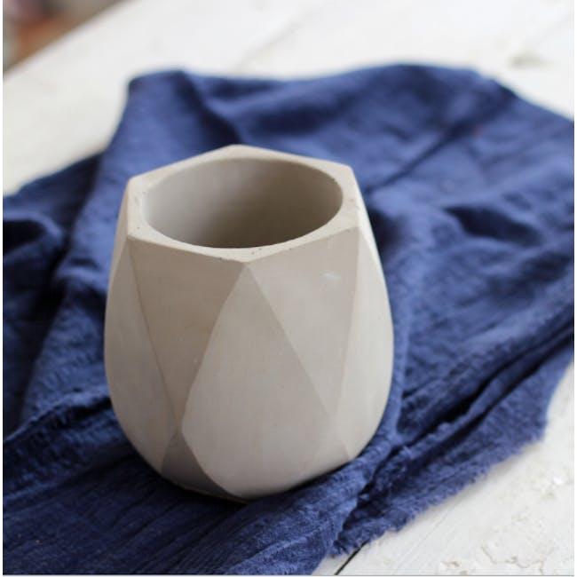 Diamond Concrete Pot with Drainage Hole - Large - 1