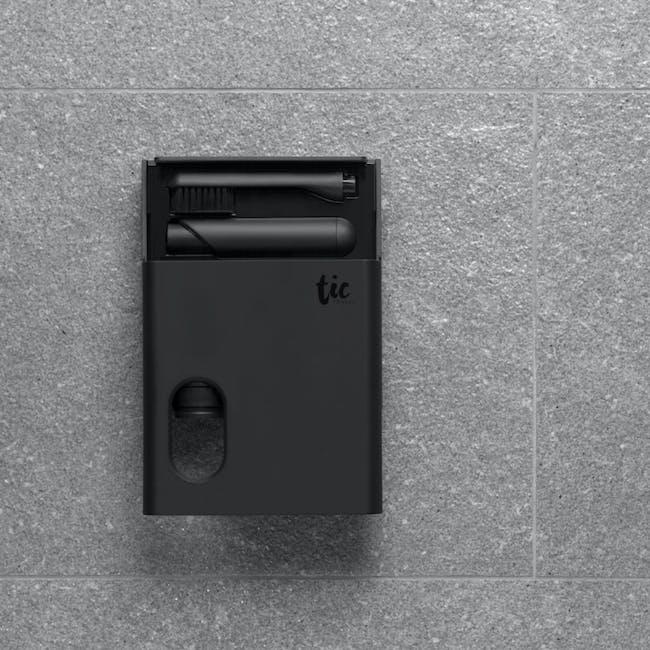 Tic Oral Care & Razor Kit - Matte Black - 3