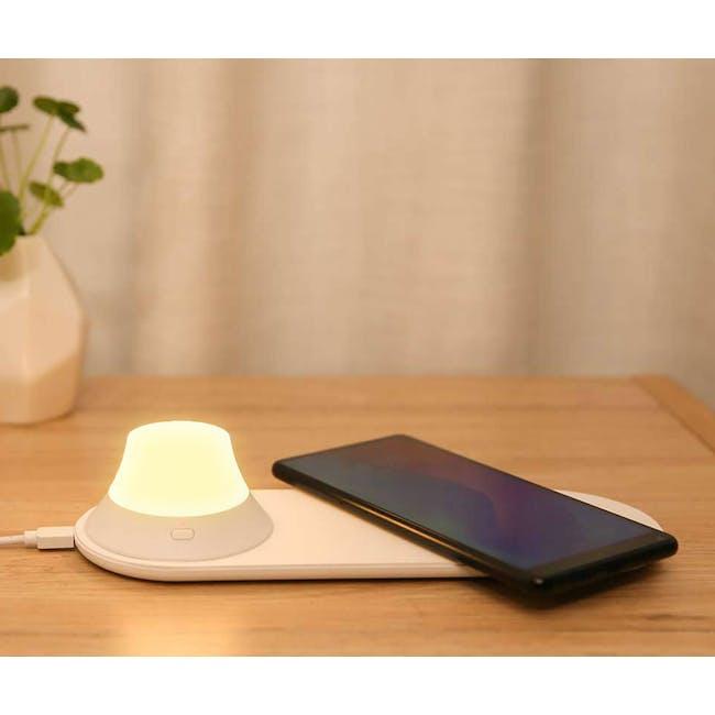 Yeelight Wireless Charging Port Nightlight - 1
