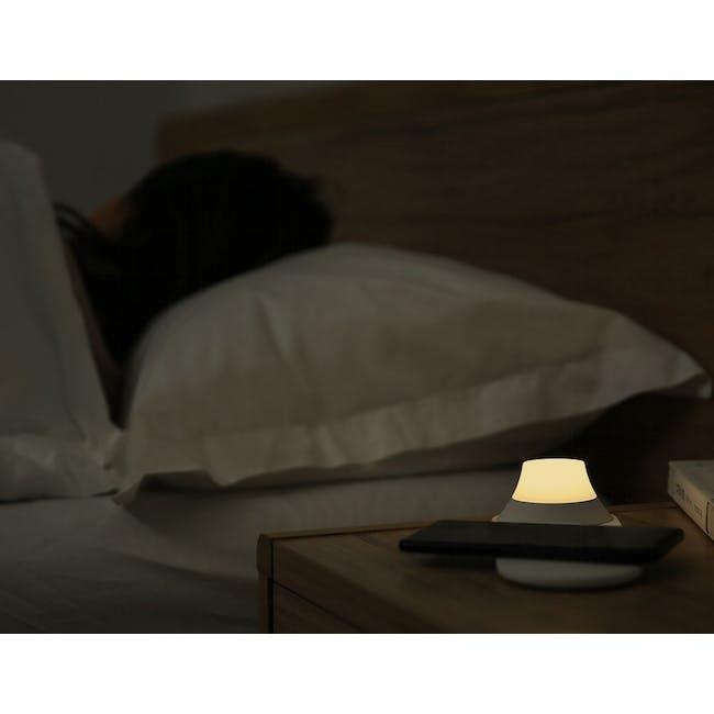 Yeelight Wireless Charging Port Nightlight - 7