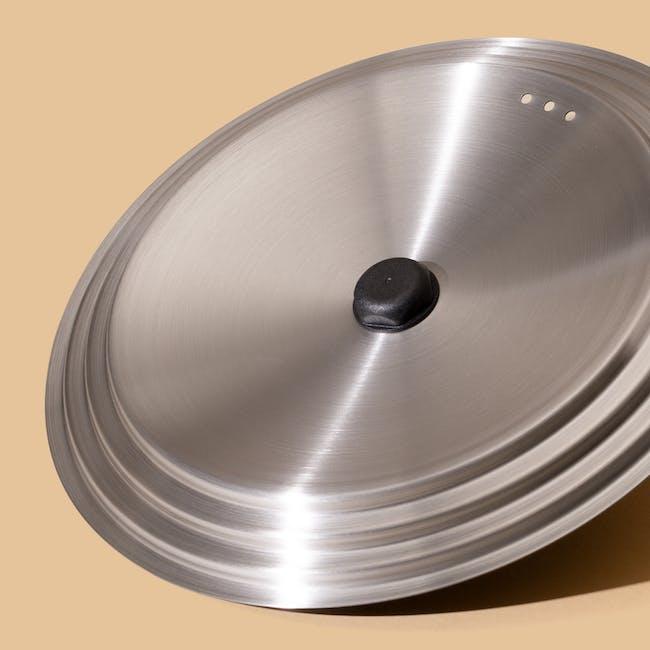 Meyer Accent Series Ultra-Durable Nonstick 22cm Saucier with Lid - 11