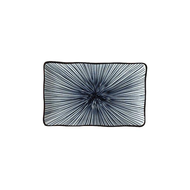 Table Matters Blue Illusion Rectangular Ripple Plate - 0