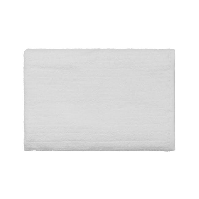 EVERYDAY Bath Essentials - White (Set of 6) - 1