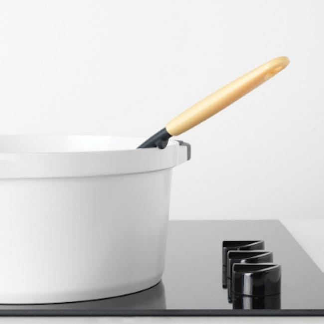Tasty+ Spaghetti Scoop & Measure Tool - Vanilla Yellow - 4