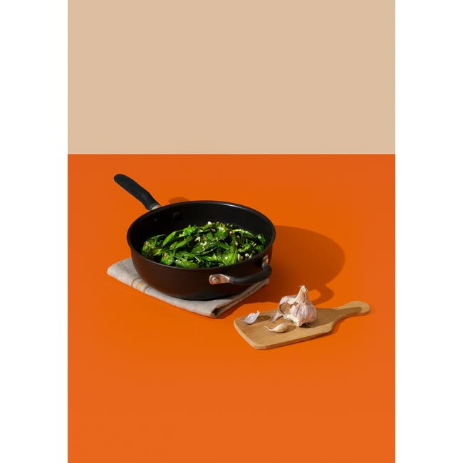 Meyer Accent Series Ultra-Durable Nonstick 26cm Chef's Pan With Lid - 2