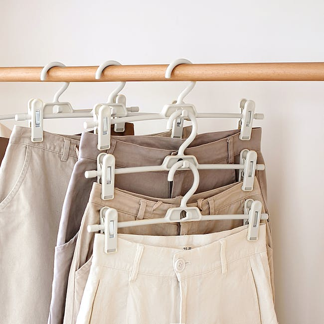 Jacob Hanger with Clips - White - 1