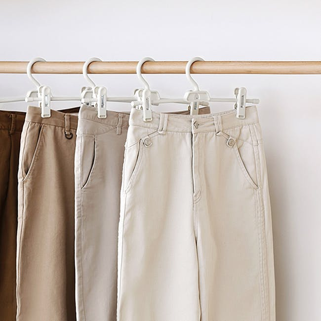 Jacob Hanger with Clips - White - 2